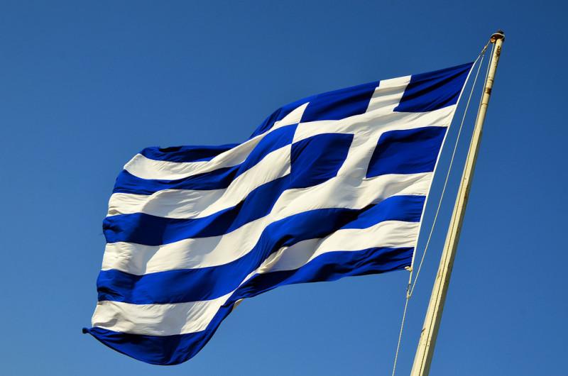 13272813013_ed2d0eb982_b_greek-flag