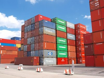 ed3db8062bf71c3e81584d04ee44408be273e4d619b7144990f2_640_container-ship